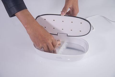 59秒美妆消毒盒评测操作7.png