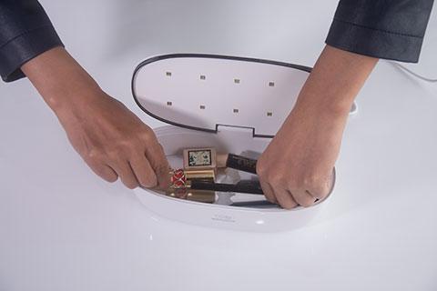 59秒美妆消毒盒评测操作4.png